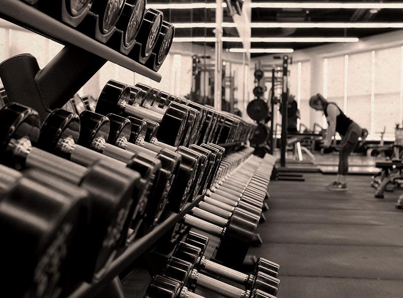 elite academy con migliori attrezzi e accessori fitness palestra per mantenere fisico ideale